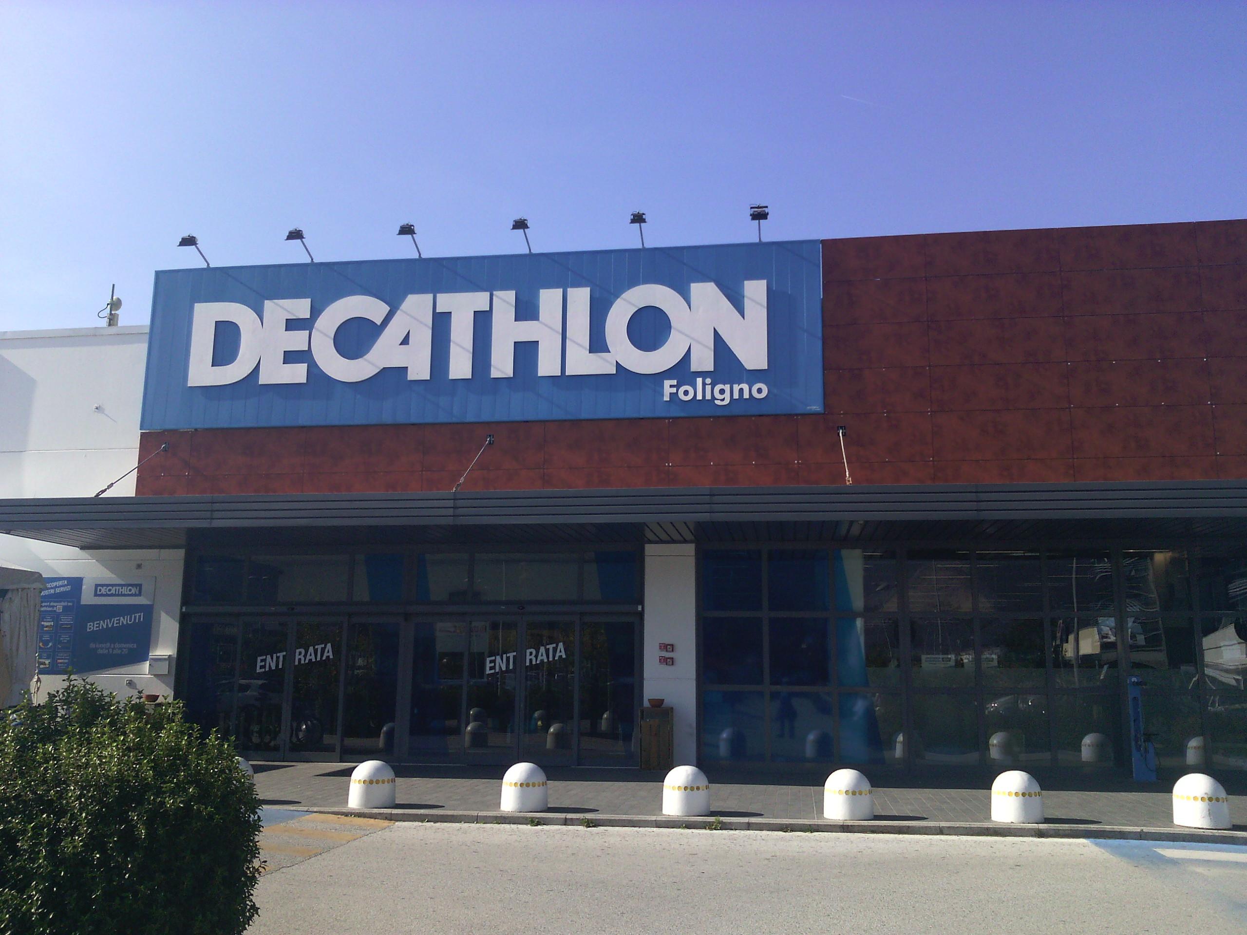 d9b14cf01 File Decathlon Store in Foligno
