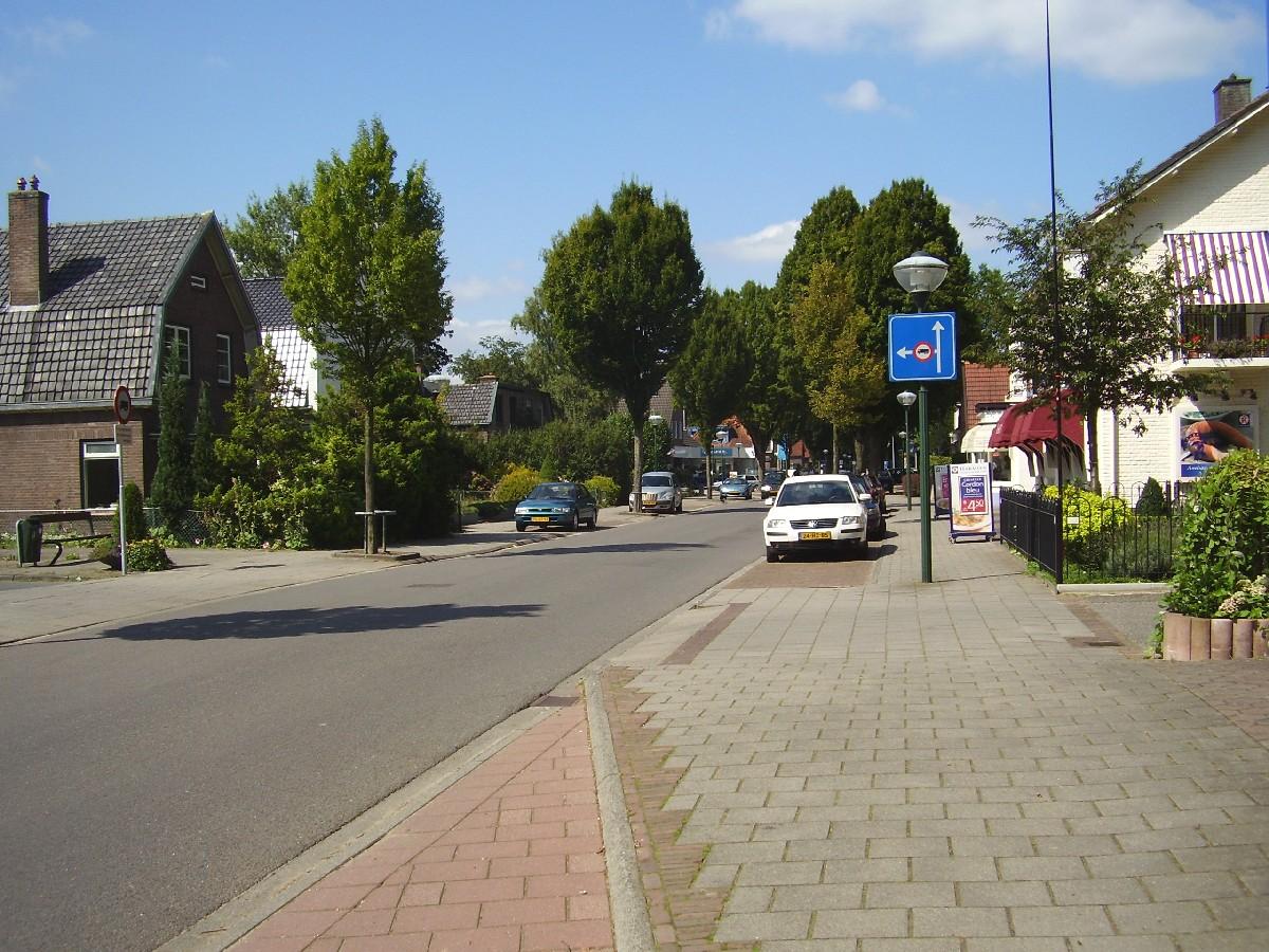 diepenveen dorpsstraat.jpg