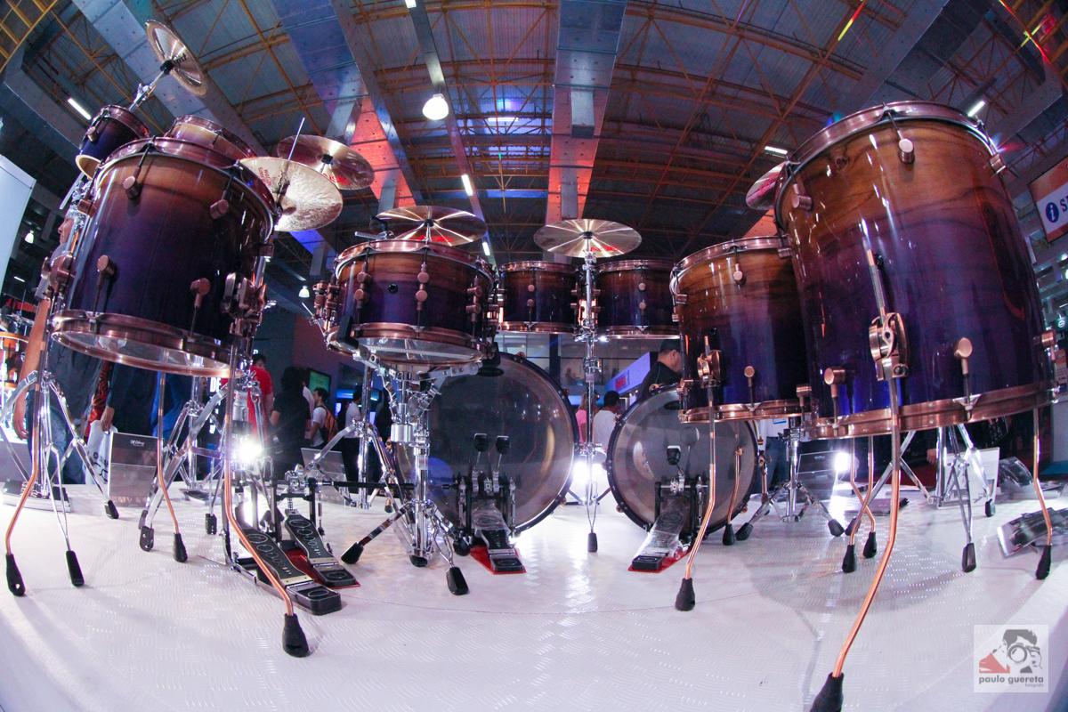 file double bass drum kit expomusic 2014 jpg wikimedia commons