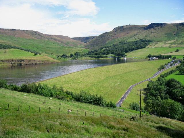 Dovestones Reservoir - geograph.org.uk - 489653