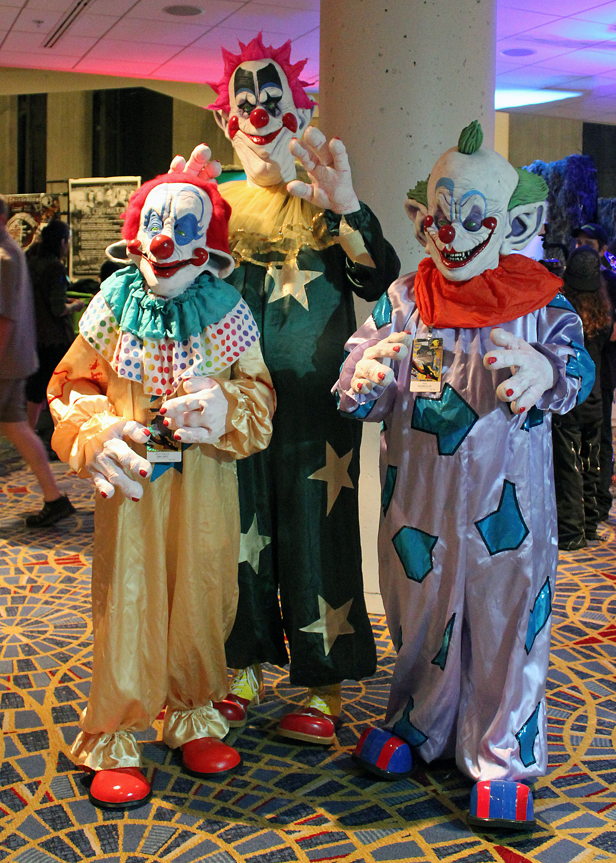 File:Dragon_Con_2014_ _Killer_Klowns_from_Outer_Space_(15013717604) on Halloween 2014 Wallpaper