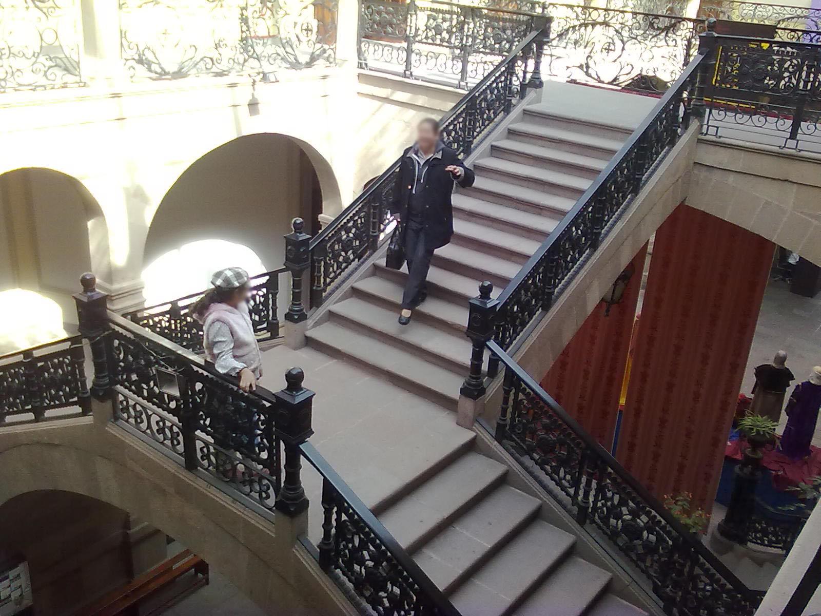 File escaleras interiores del museo de la m scara - Escaleras de interiores ...