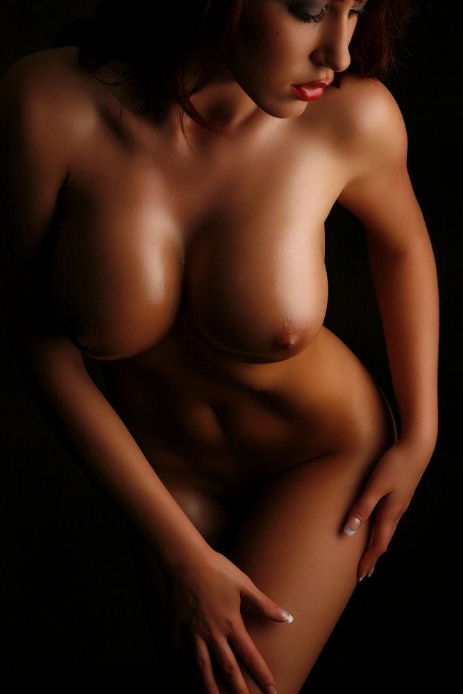 Female artistic nude Young Magazine (Yangu Magajin) is a Japanese manga magazine published weekly ...
