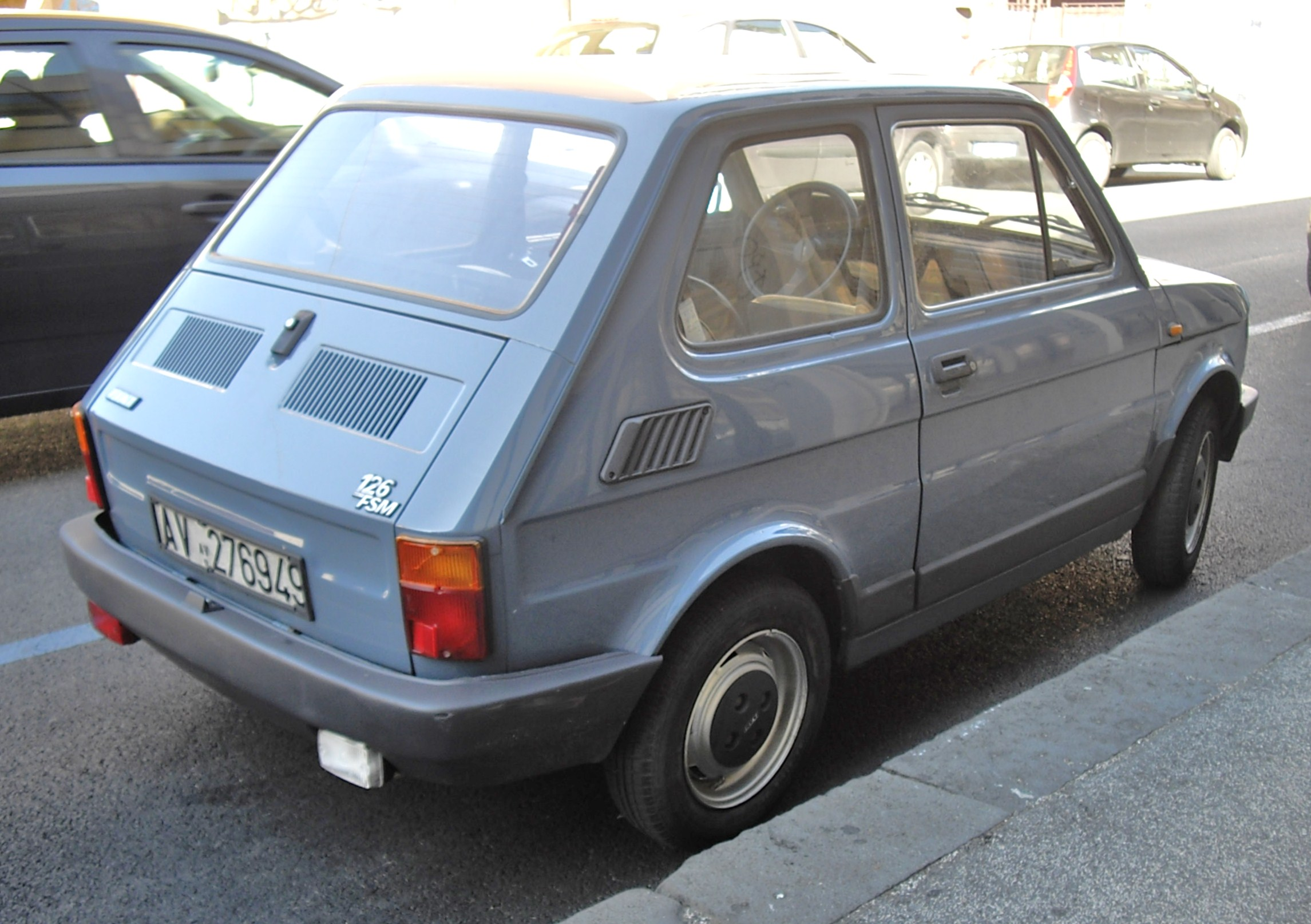 File:Fiat 126 FSM rear.JPG