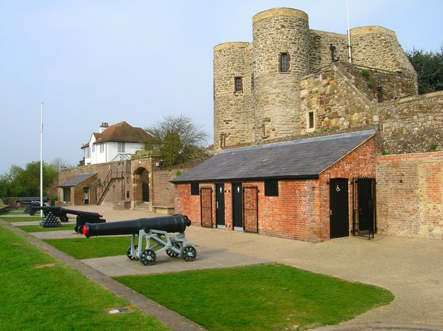 Gun Garden, Ypres Tower - geograph.org.uk - 401772