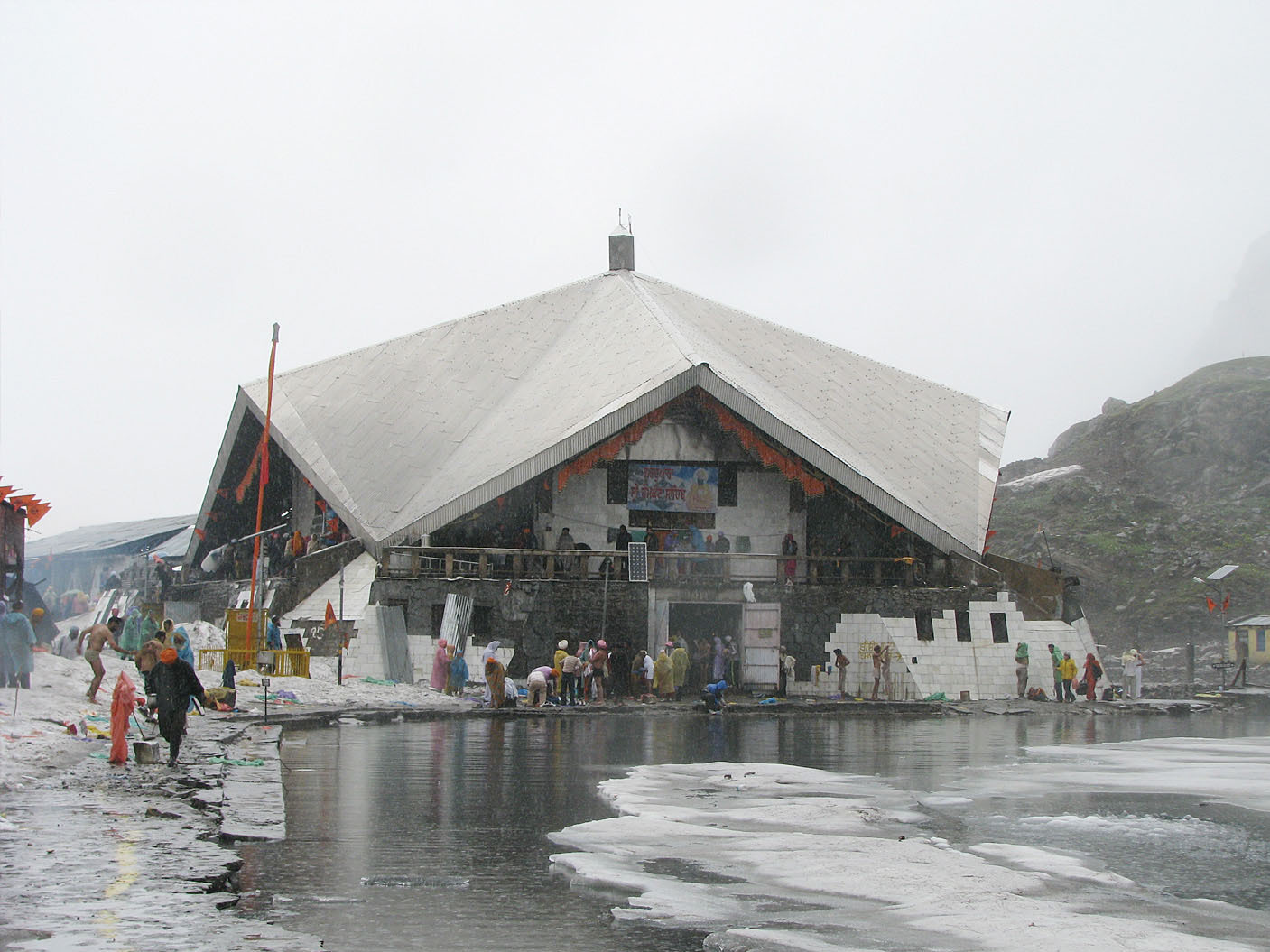 Gurudwara Hemkund Sahib, an important pilgrimage site for Sikhs.