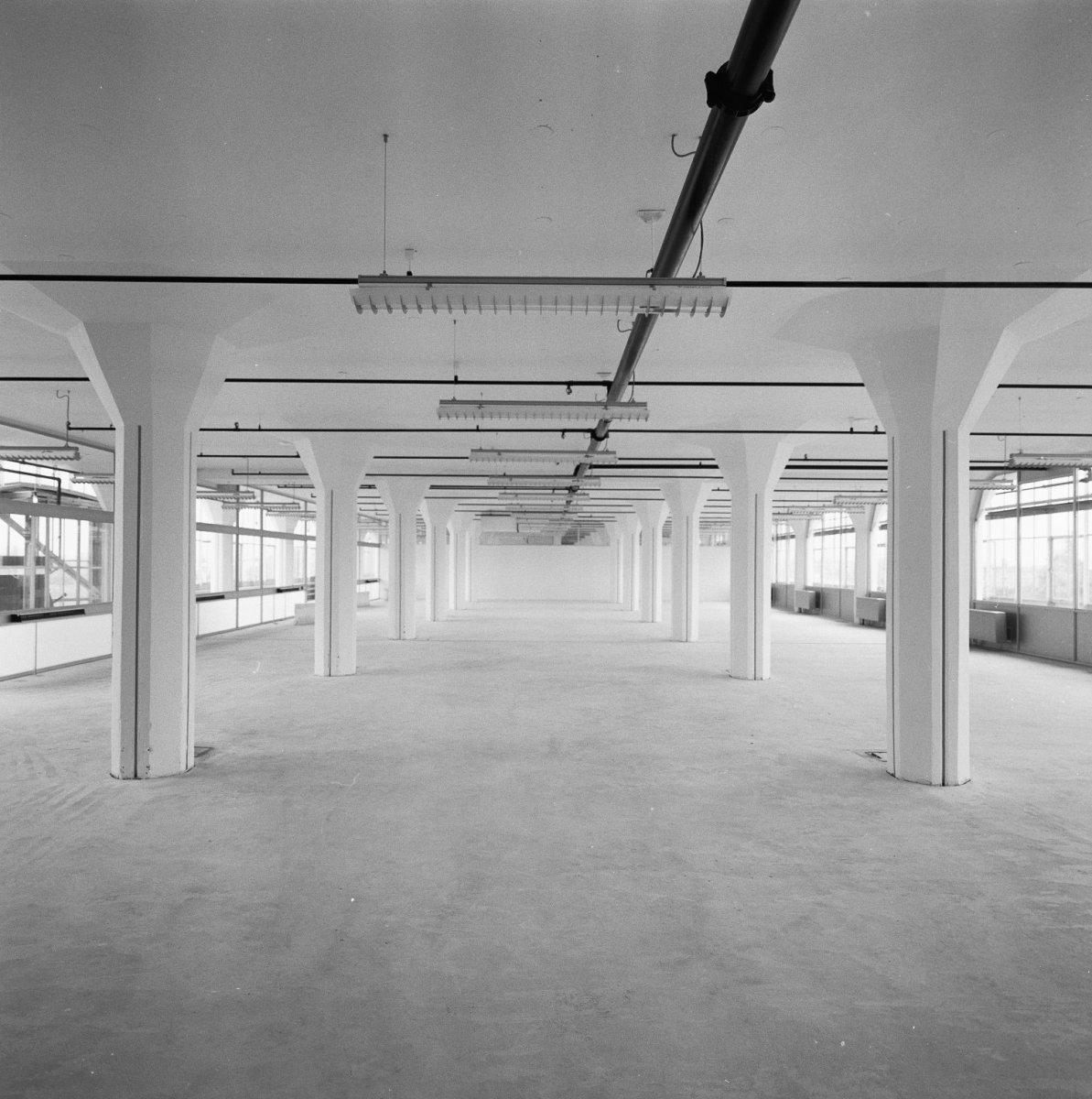 File interieur opgeknapte lege ruimte verlichting for Interieur rotterdam
