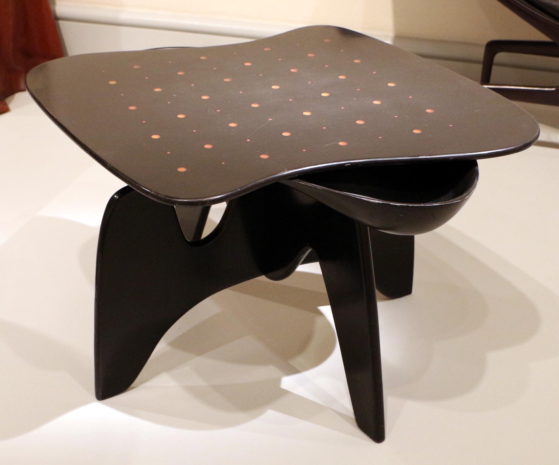 Tavolino Noguchi Design.File Isamu Noguchi Per Herman Miller Furniture Company