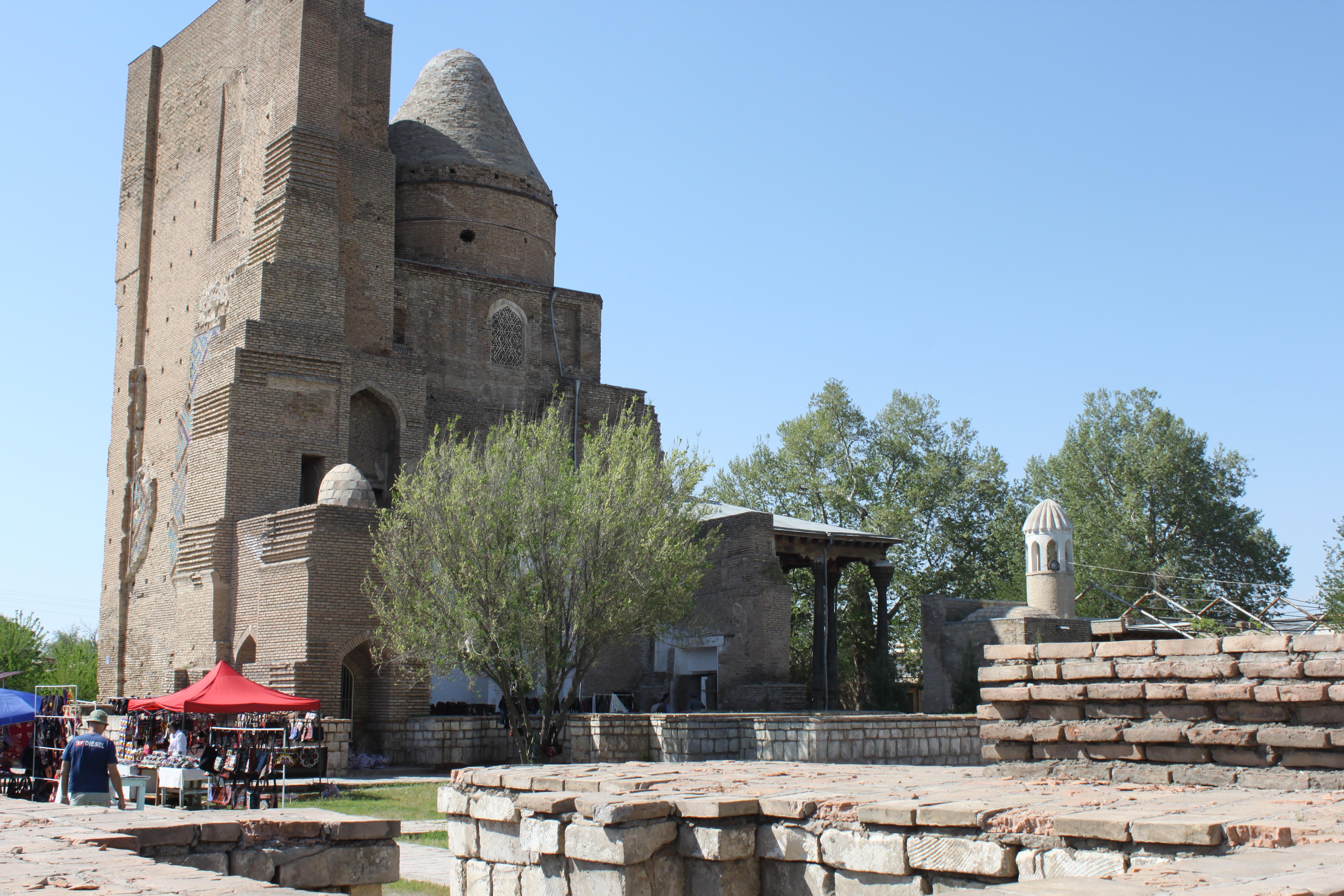 Jahangir Mausoleum in Shahrisabz 1.JPG