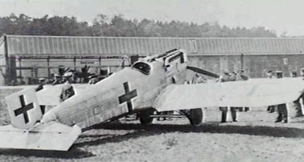Junkers_D.I_fighter_in_1918.jpg