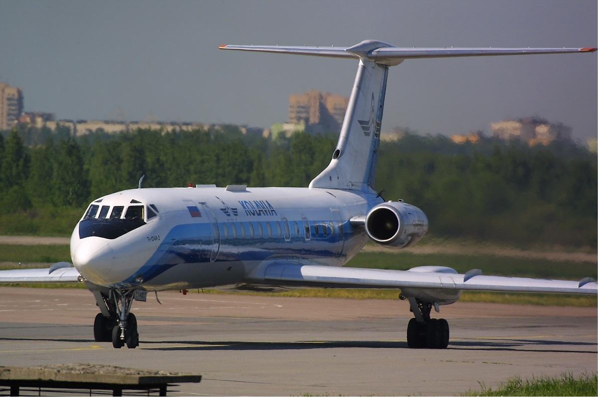 File:Kolavia Tupolev Tu-134 new livery.jpg - Wikimedia Commons
