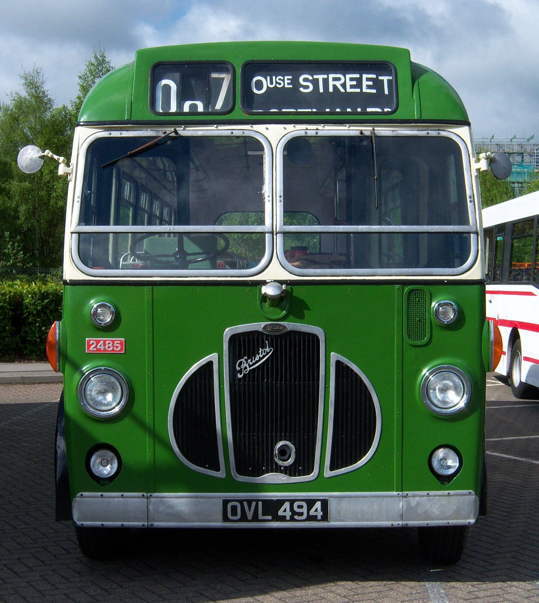 File:Lincolnshire bus 2485 Bristol SC4LK ECW OVL 494 Metrocentre rally 2009  (2)