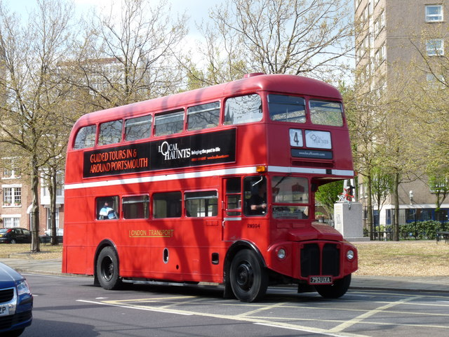 london tour buses