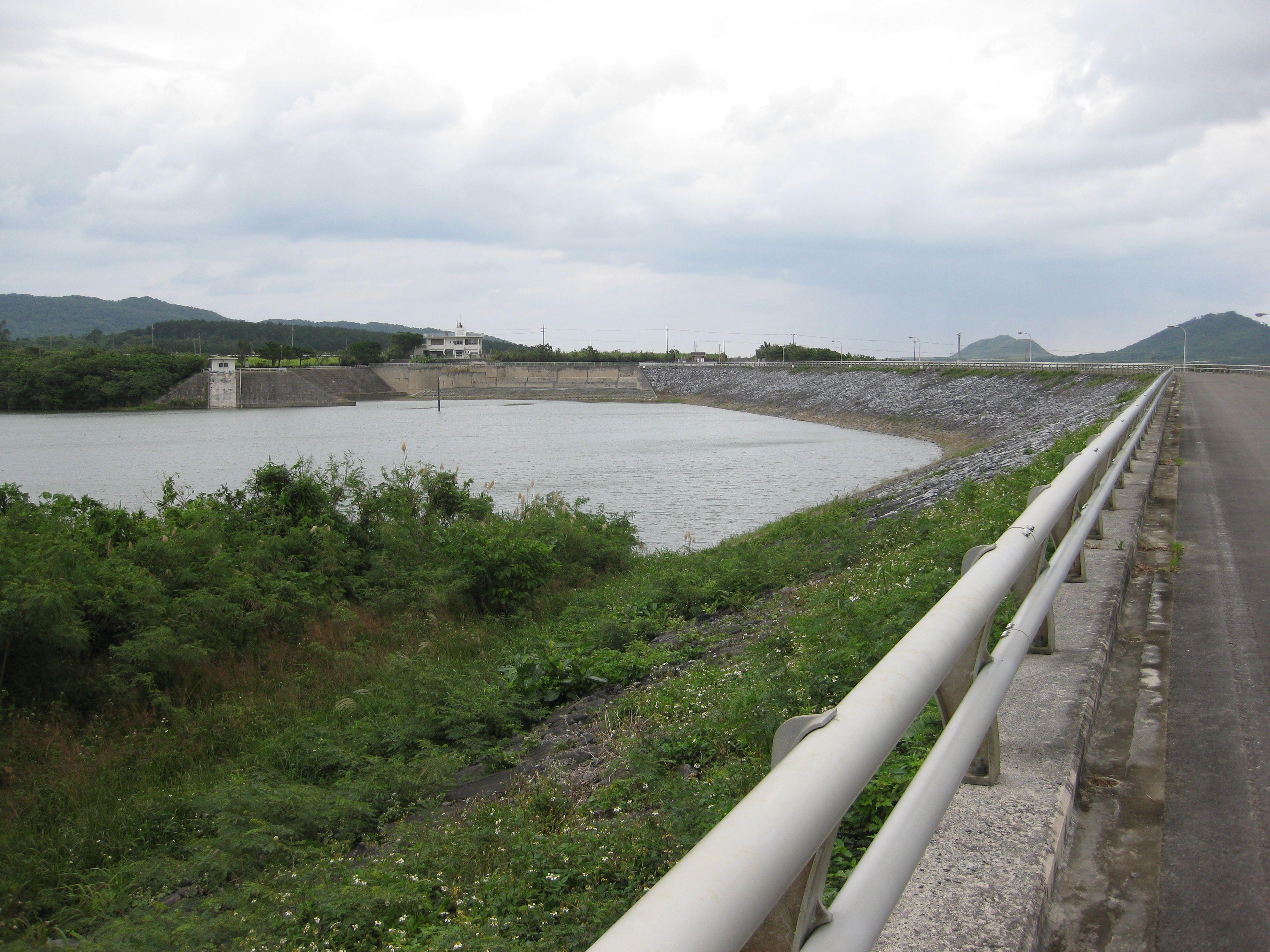 貯水 ダム 沖縄 量 県