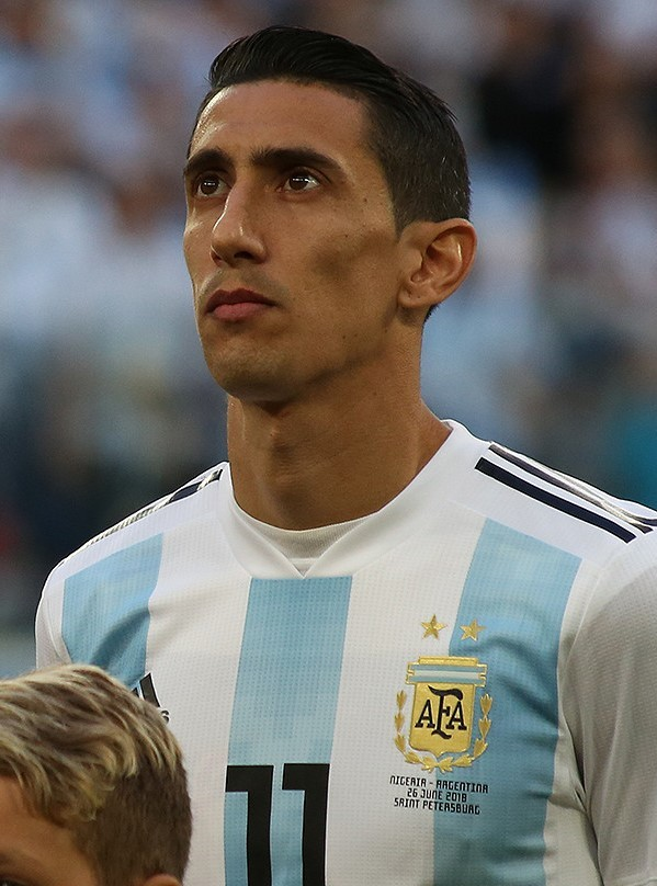 The 31-year old son of father Miguel Hernandez and mother(?) Ángel Di María in 2019 photo. Ángel Di María earned a 7 million dollar salary - leaving the net worth at 18 million in 2019