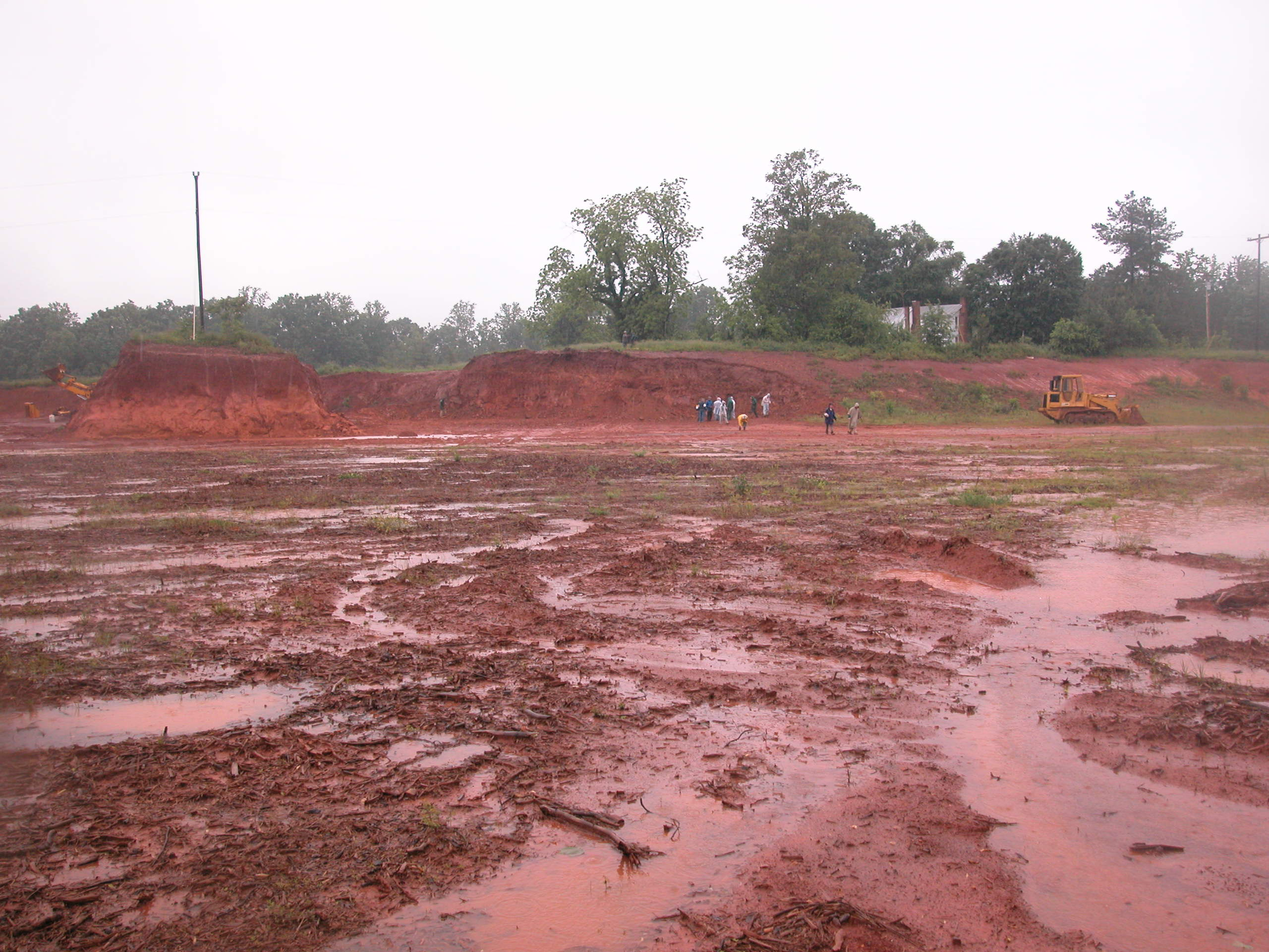 File:Nc-red-clay-soil-2.jpg - Wikipedia