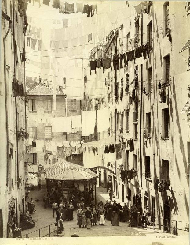 Lavoir de Santa Brigida à Gênes - Photo d'Alfred Noack (1833-1895)