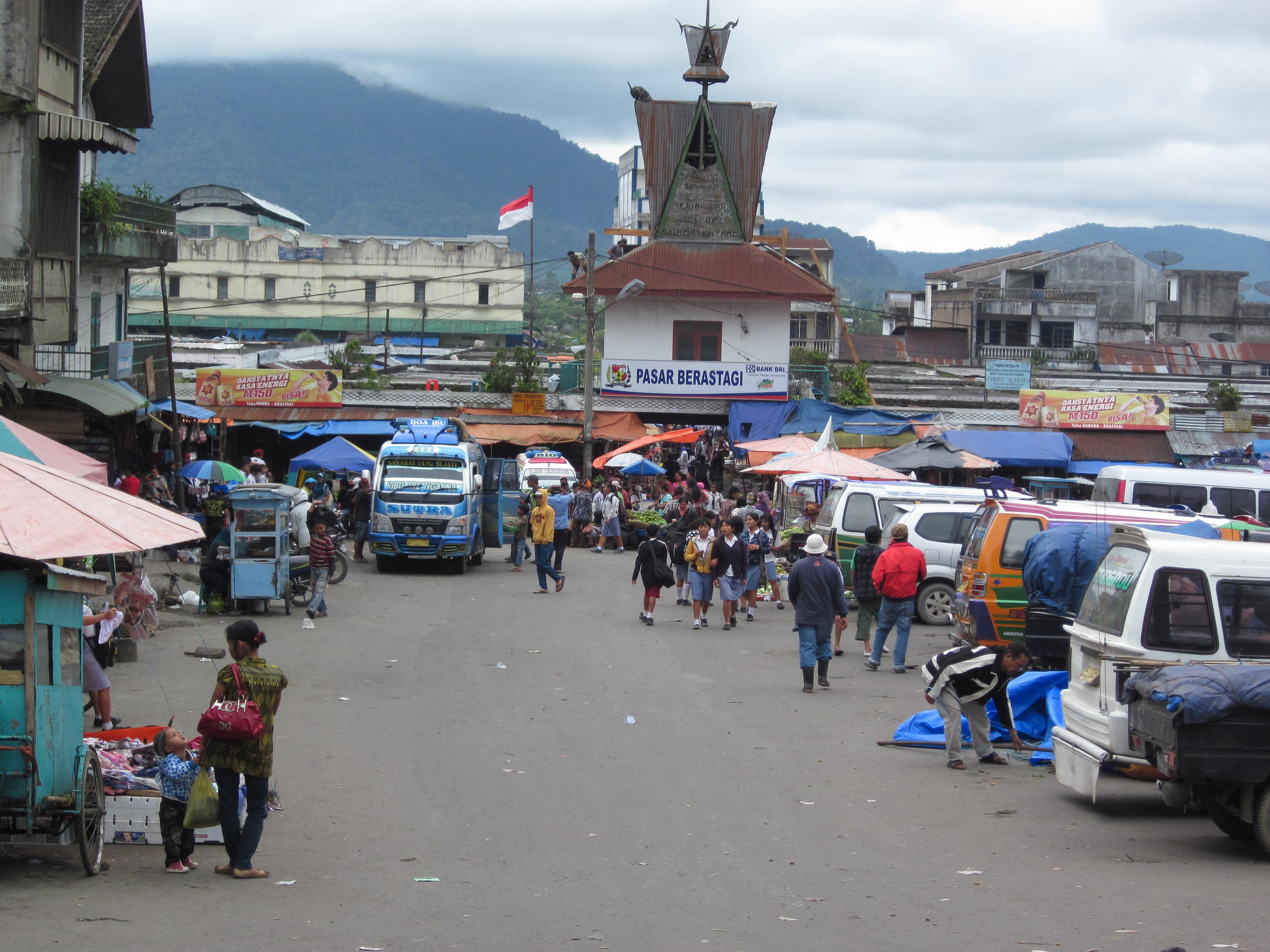 Berastagi Indonesia  city photos gallery : Description Pasar Berastagi