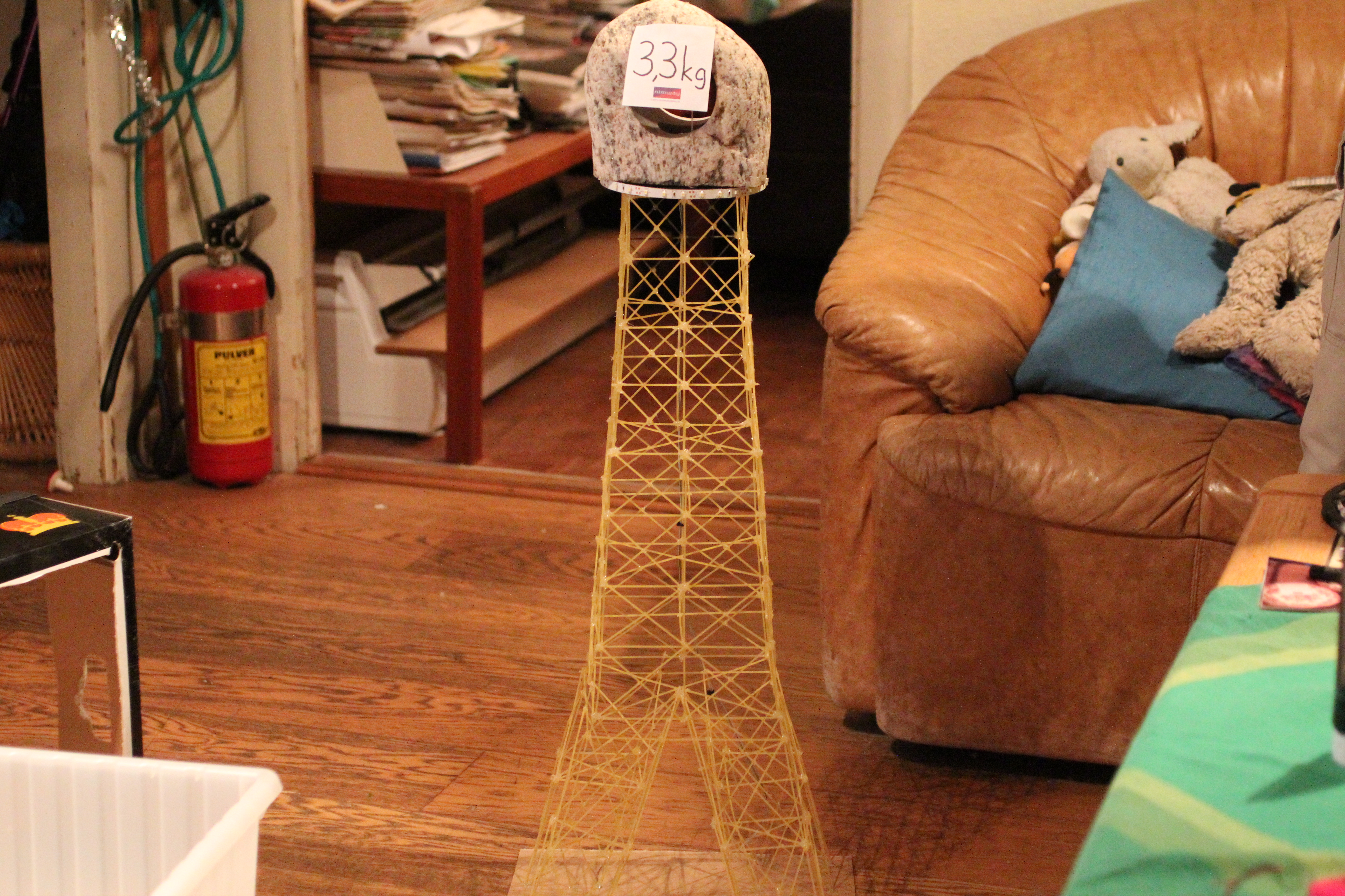 how to build a tower out of spaghetti and marshmallows
