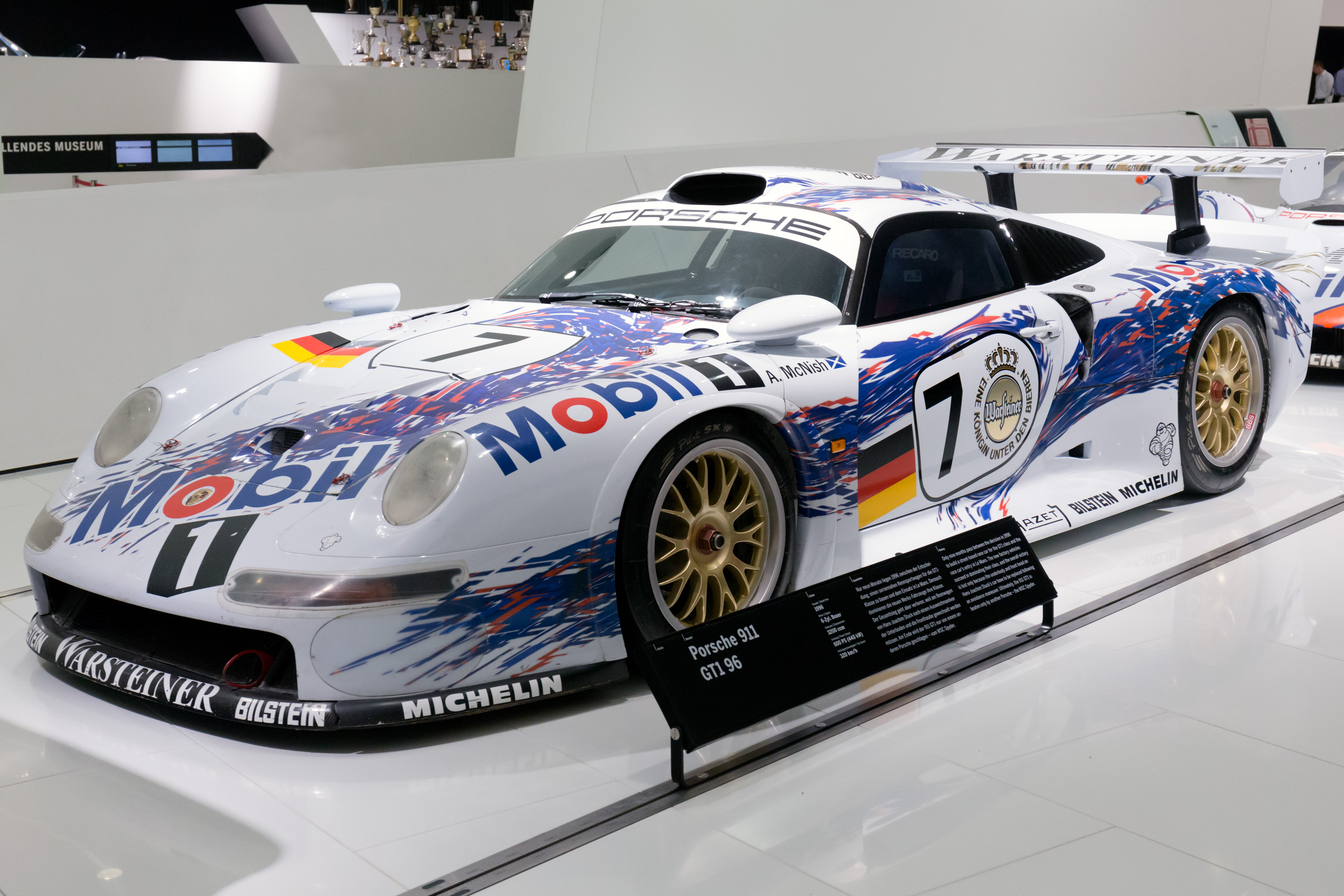 file porsche 911 gt1 96 front left porsche wikimedia commons. Black Bedroom Furniture Sets. Home Design Ideas