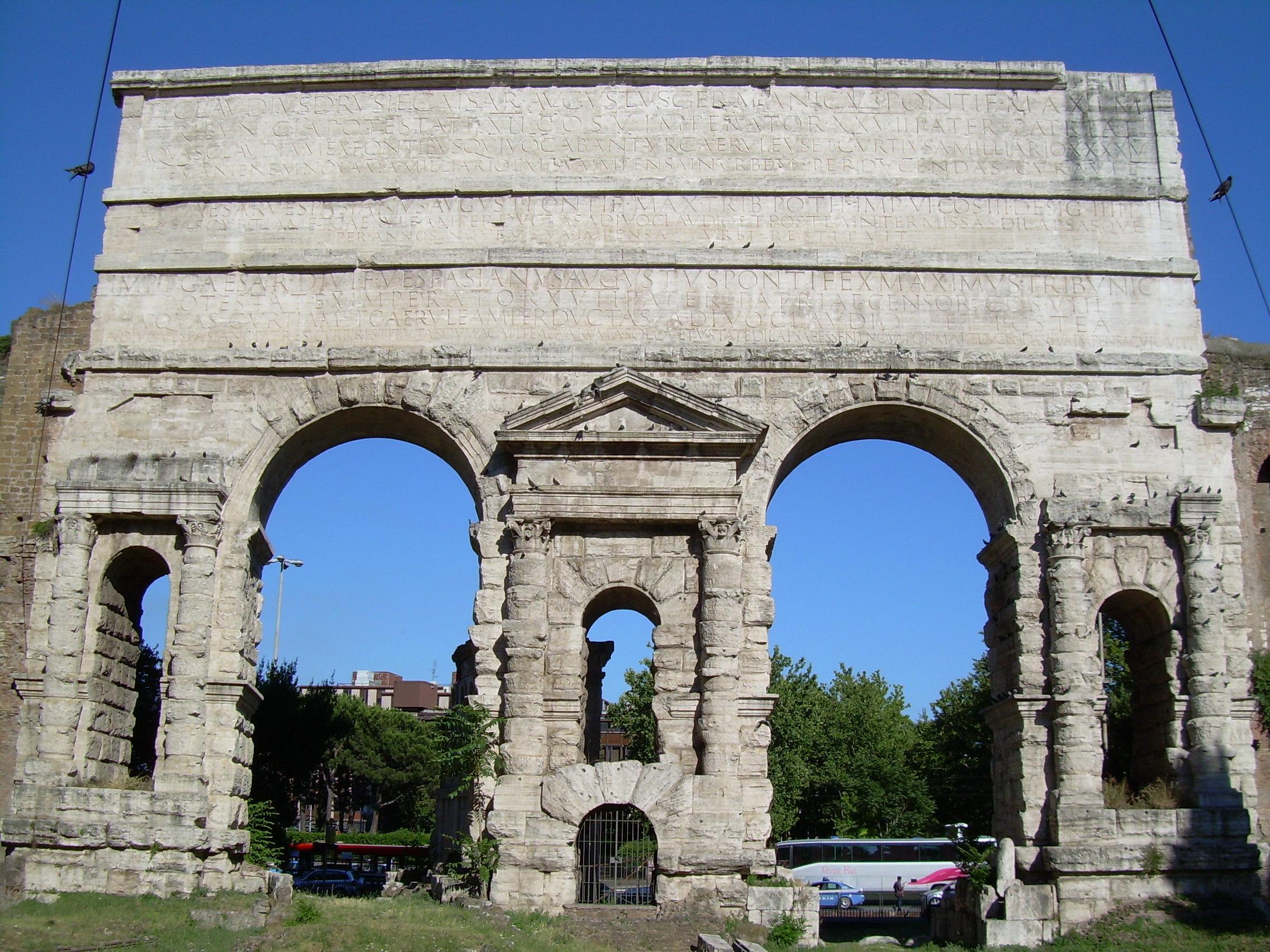 File porta maggiore roma jpg for Porta maggiore