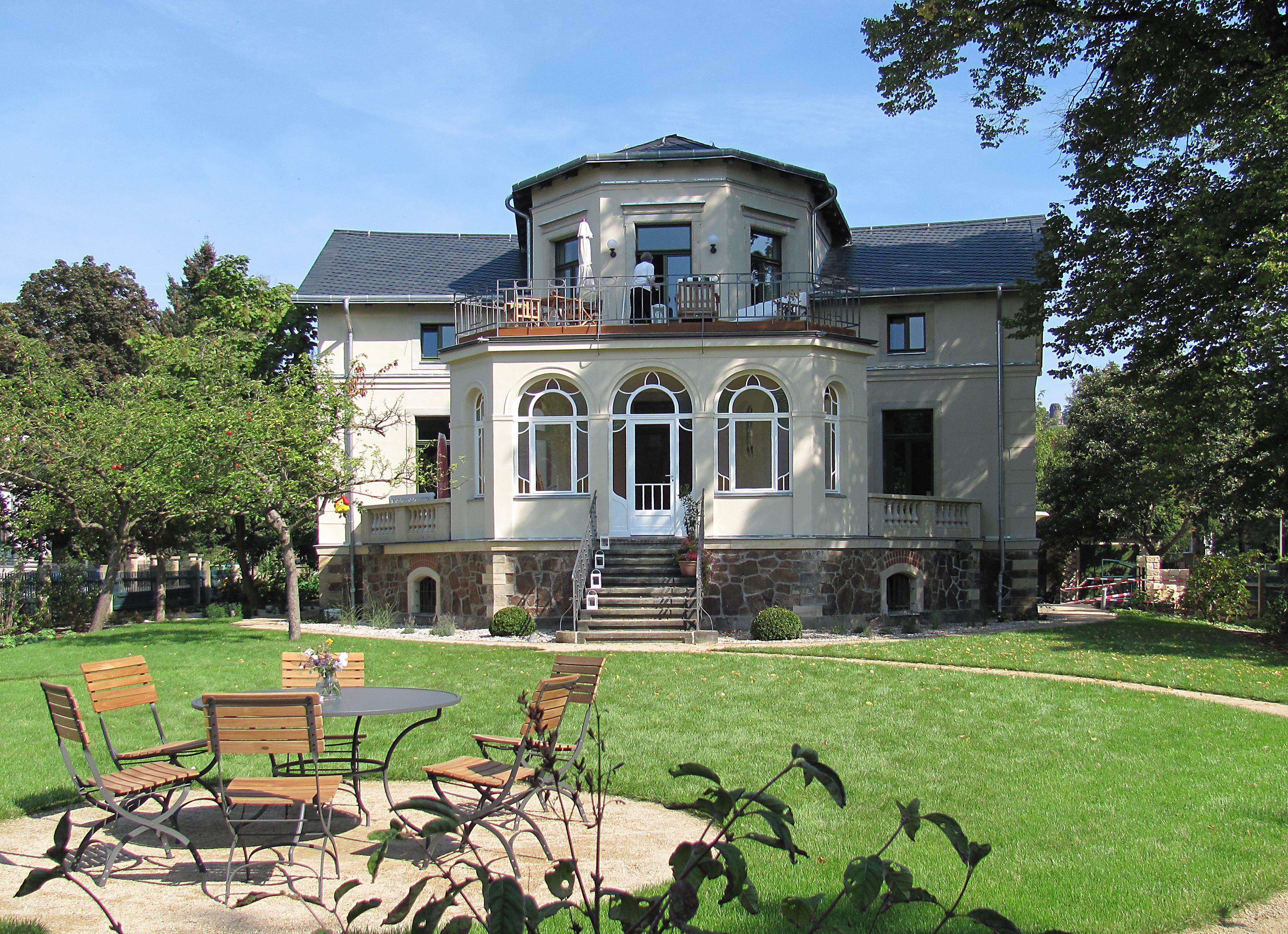 file radebeul villa louise maria wikimedia commons. Black Bedroom Furniture Sets. Home Design Ideas