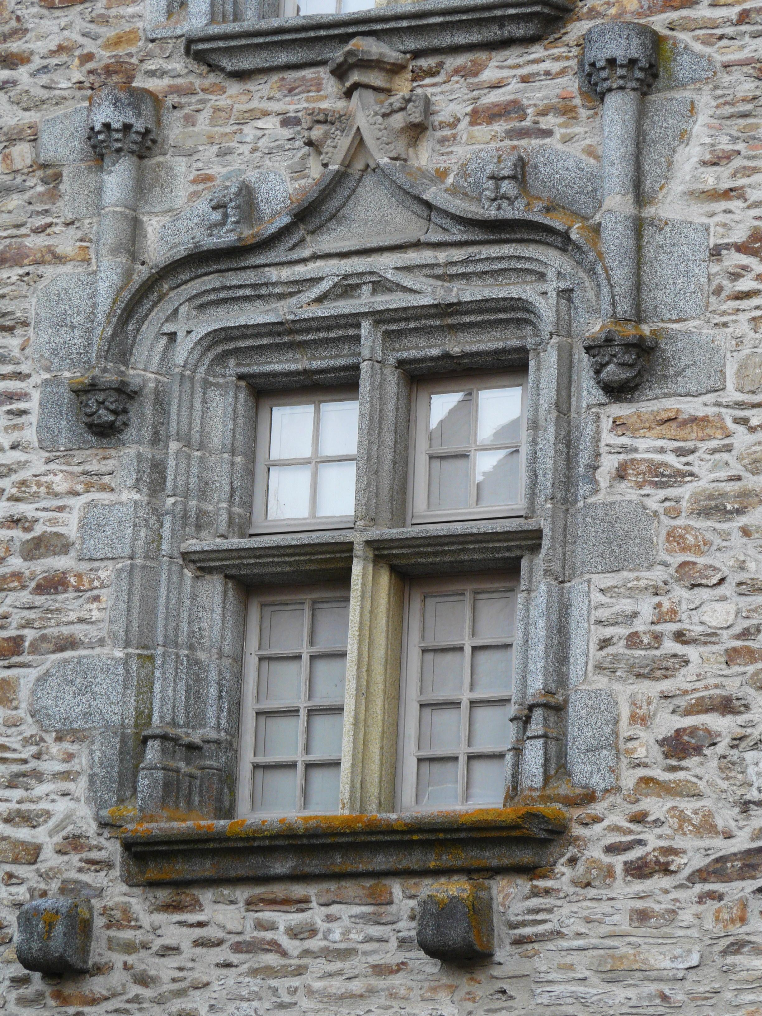 Fichier s gur le ch teau maison henri iv fen tre jpg for Fenetre wikipedia
