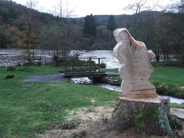 Sculpture in the making - geograph.org.uk - 1032633