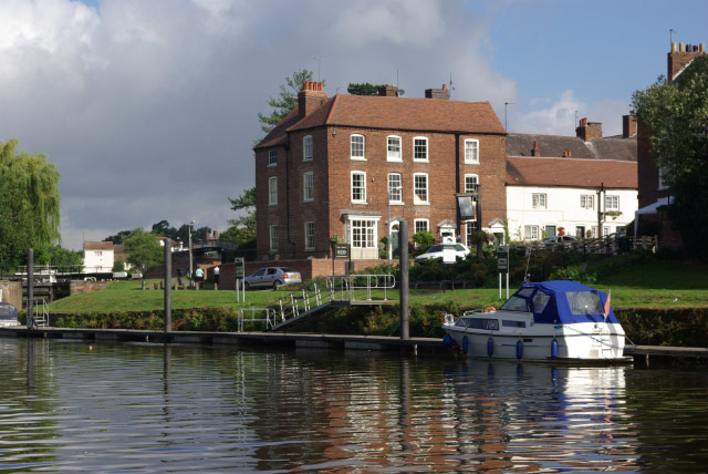 The Angel, Stourport on Severn - geograph.org.uk - 905708