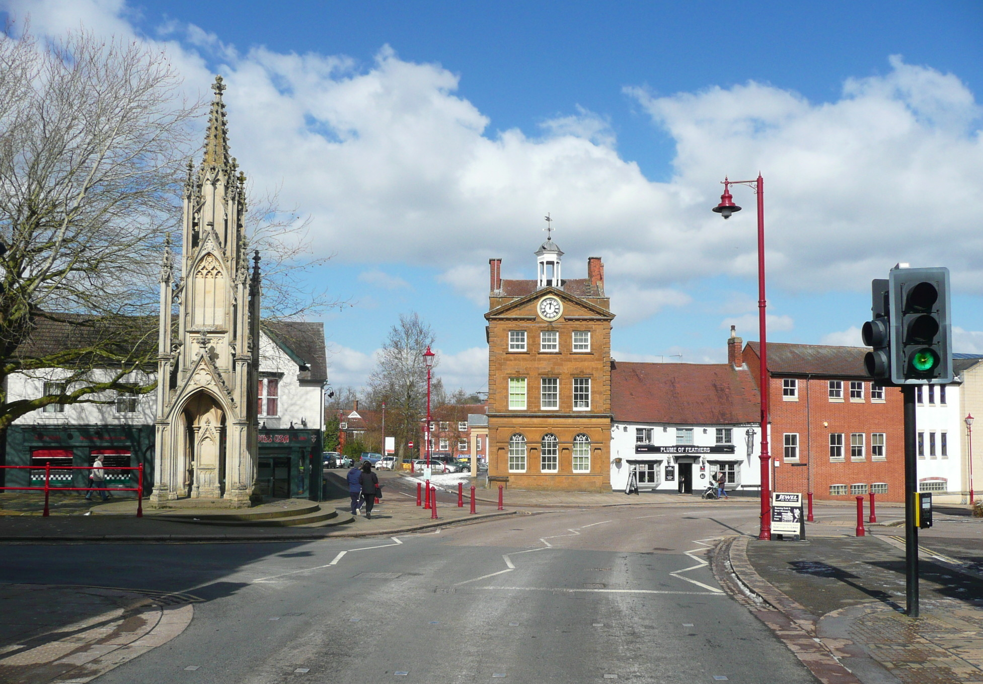 The Burton Memorial and the Moot Hall, Daventry, geograph 5717466 by Humphrey Bolton.jpg