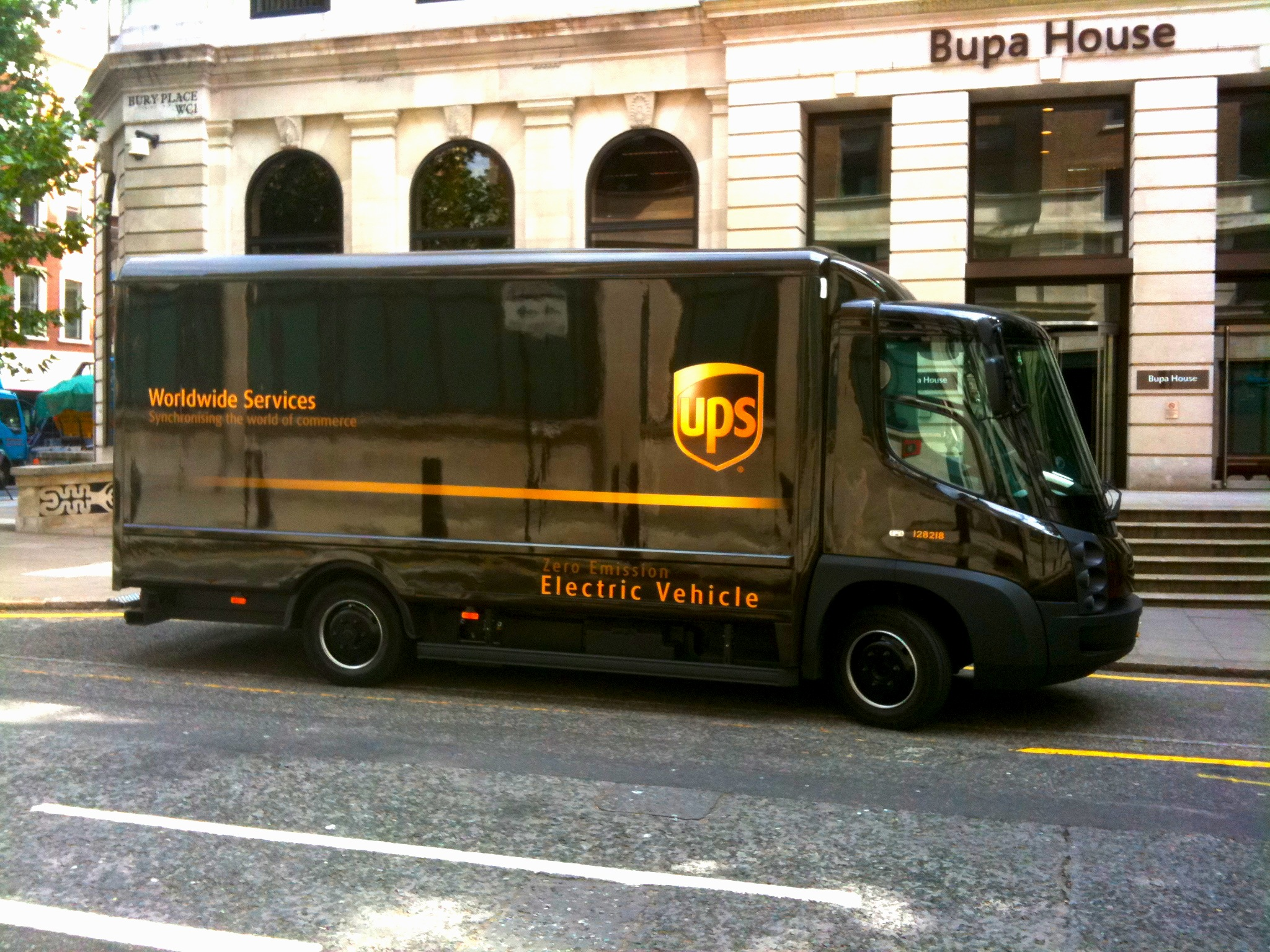 File:UPS electric van (3831219067) jpg - Wikimedia Commons