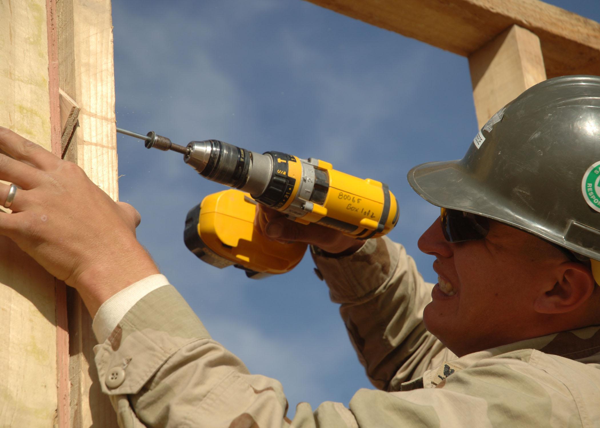 File us navy 061125 n 6889j 033 builder 3rd class mathew Www builder