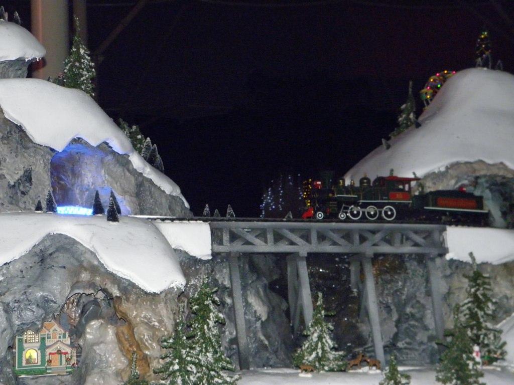 White Christmas Wiki.File White Christmas Float Toy Train Jpg Wikimedia Commons