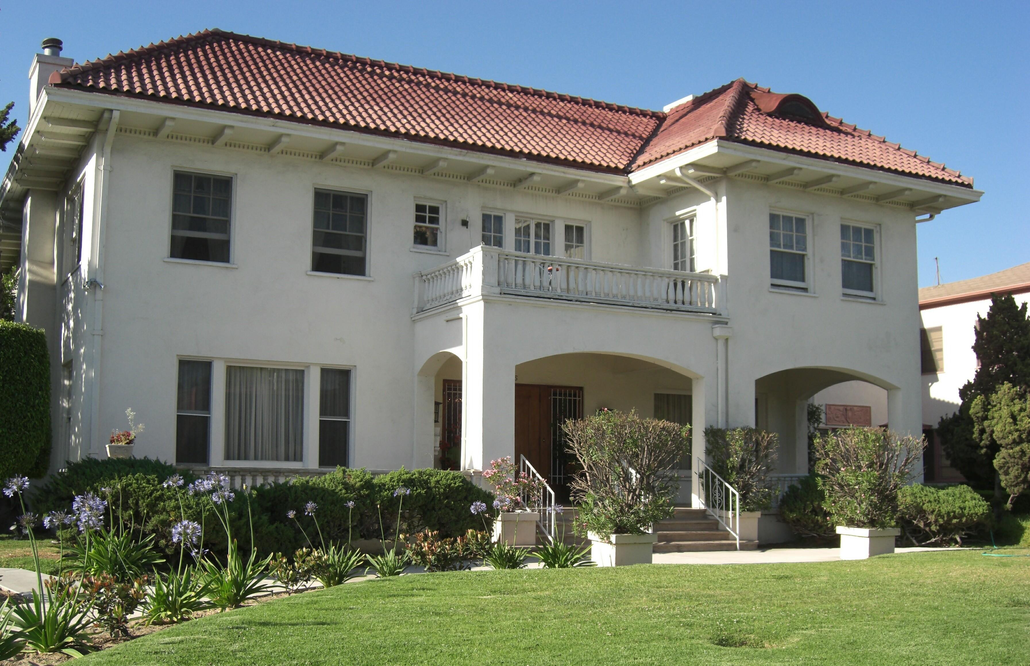 Bungalow  Home Decor