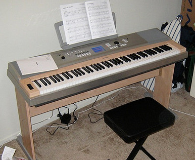 Yamaha Ypg   Key Portable Grand Piano Keyboard