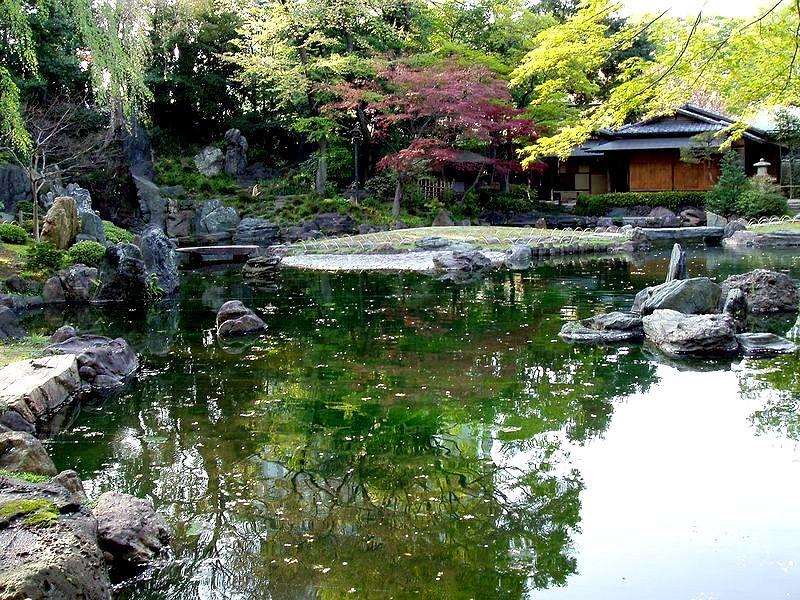 File:Yasukuni Jinja1a.jpg