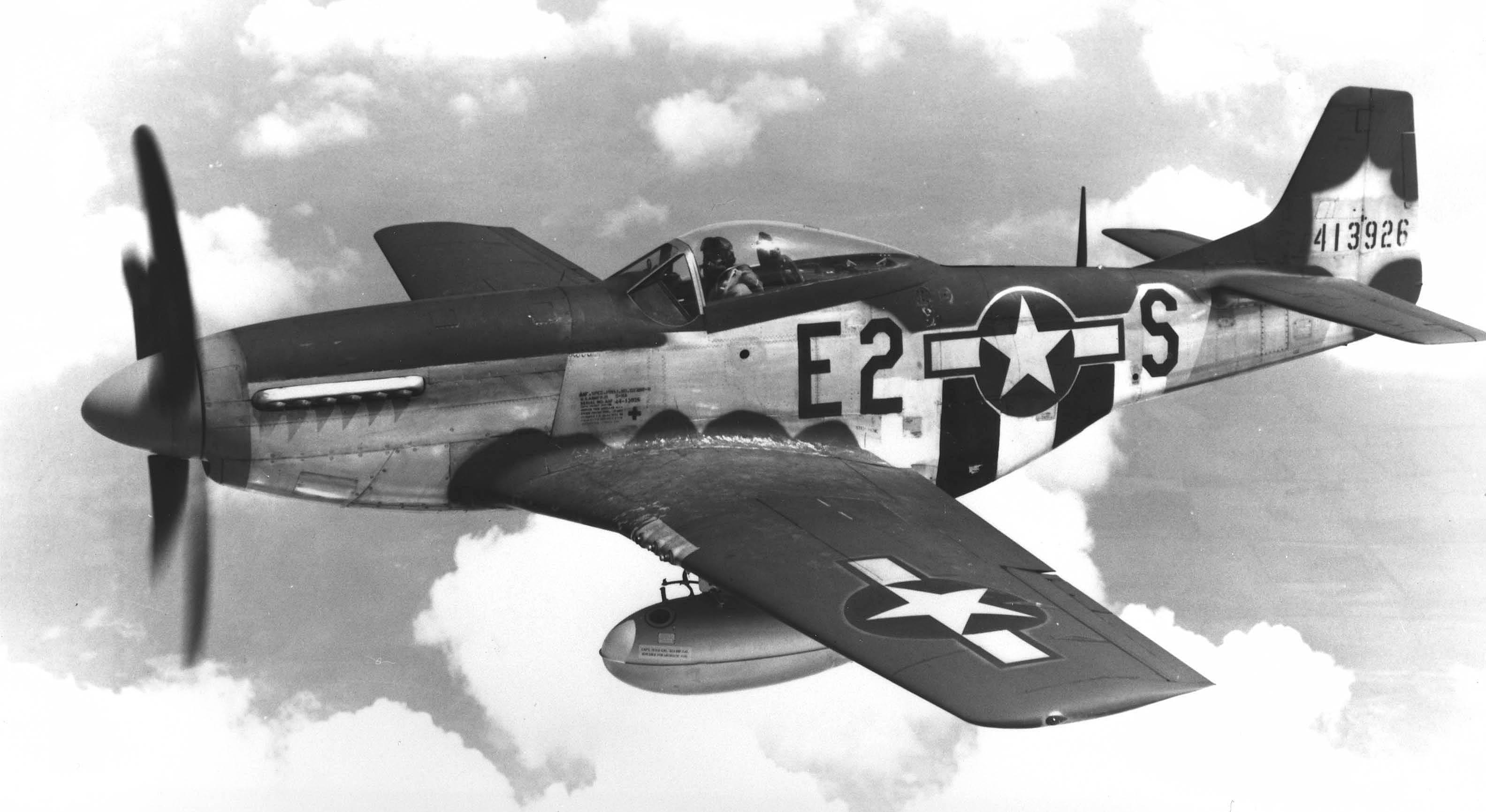 Tamiya 1//48 N.A.P-51D Mustang 8th AF 61040 Model Aircraft Kit