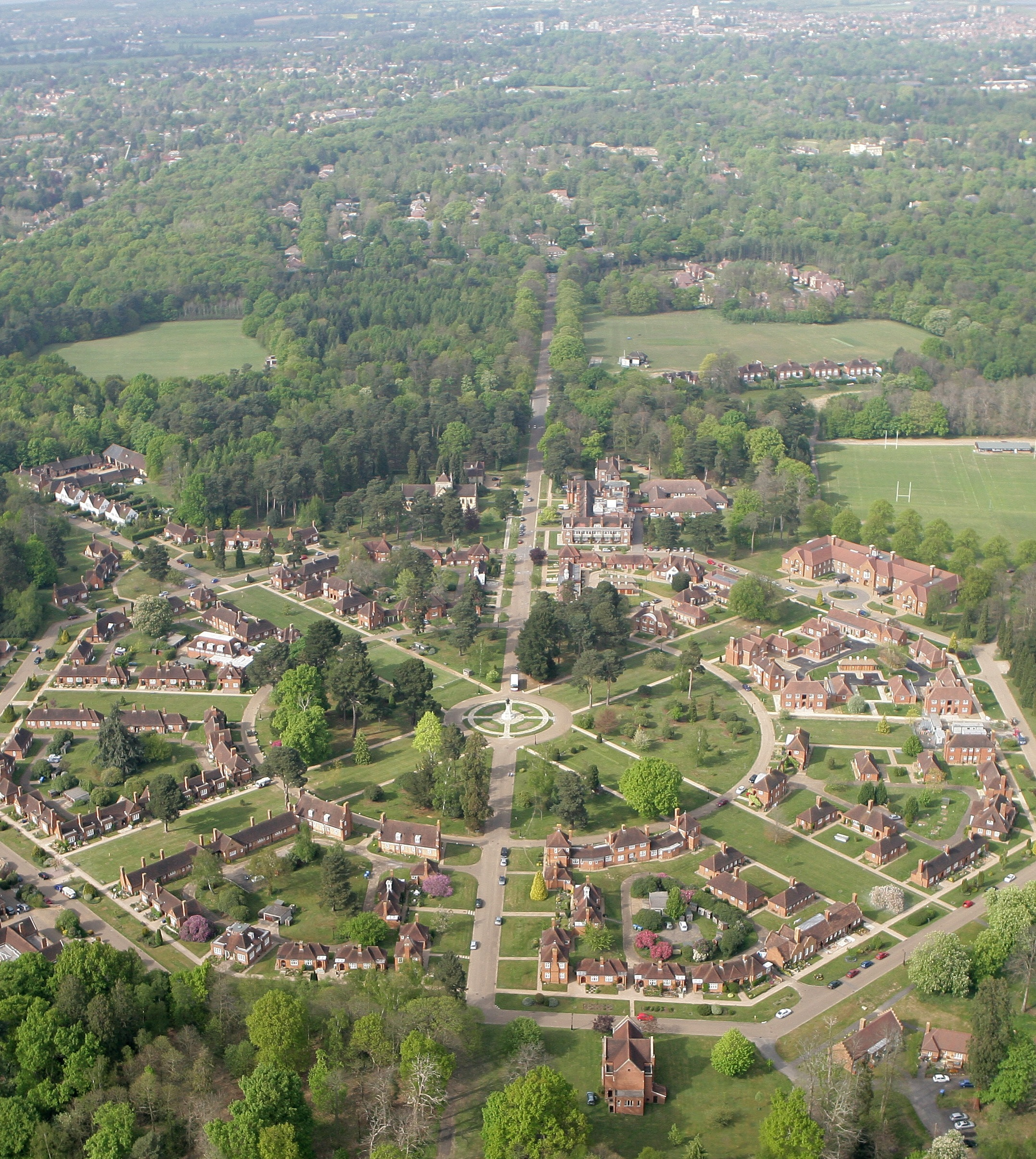 File Aerial View Of Whiteley Village Jpg Wikimedia Commons