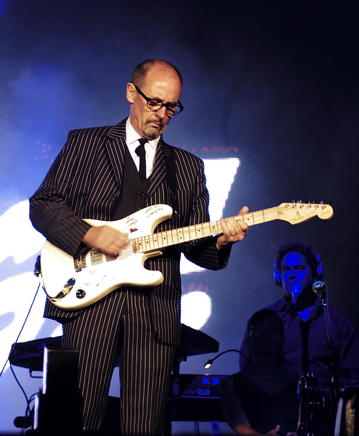Andy Fairweather Low - Wikipedia