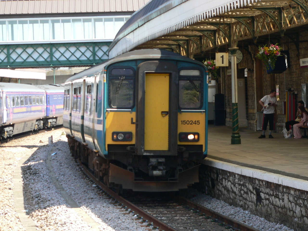 File:Arriva Trains Wales