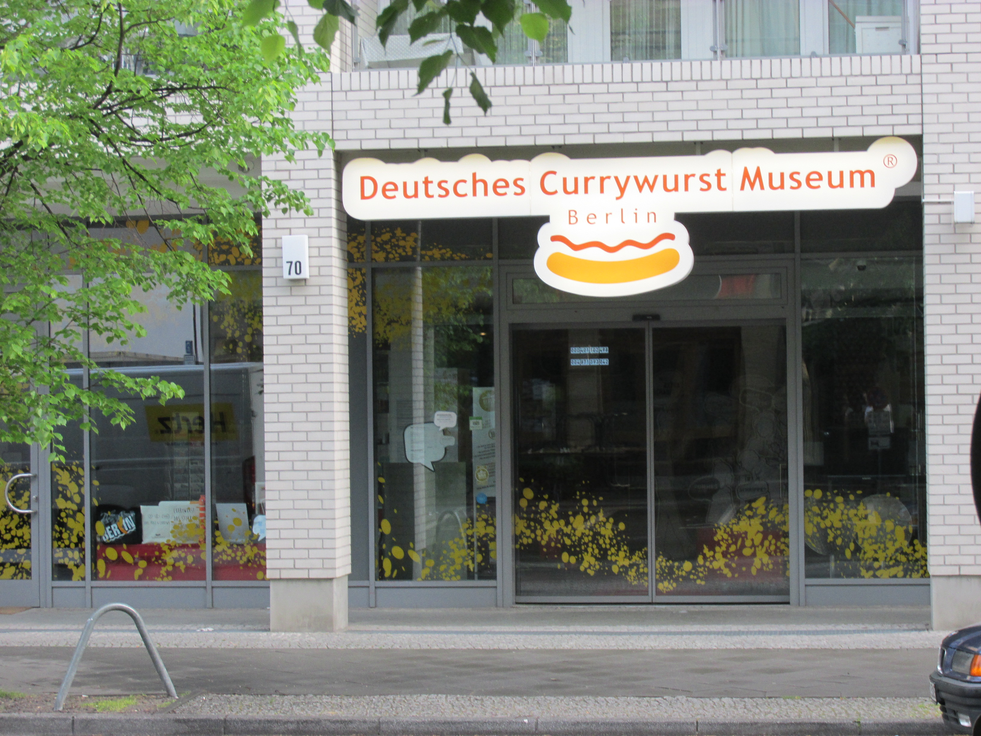 file berlin mitte deutsches currywurst museum wikimedia commons. Black Bedroom Furniture Sets. Home Design Ideas