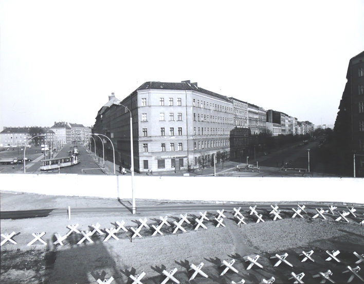 Bernauer Strasse 1973.jpg