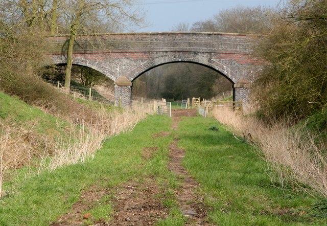 Bridge over the millennium way - geograph.org.uk - 375914
