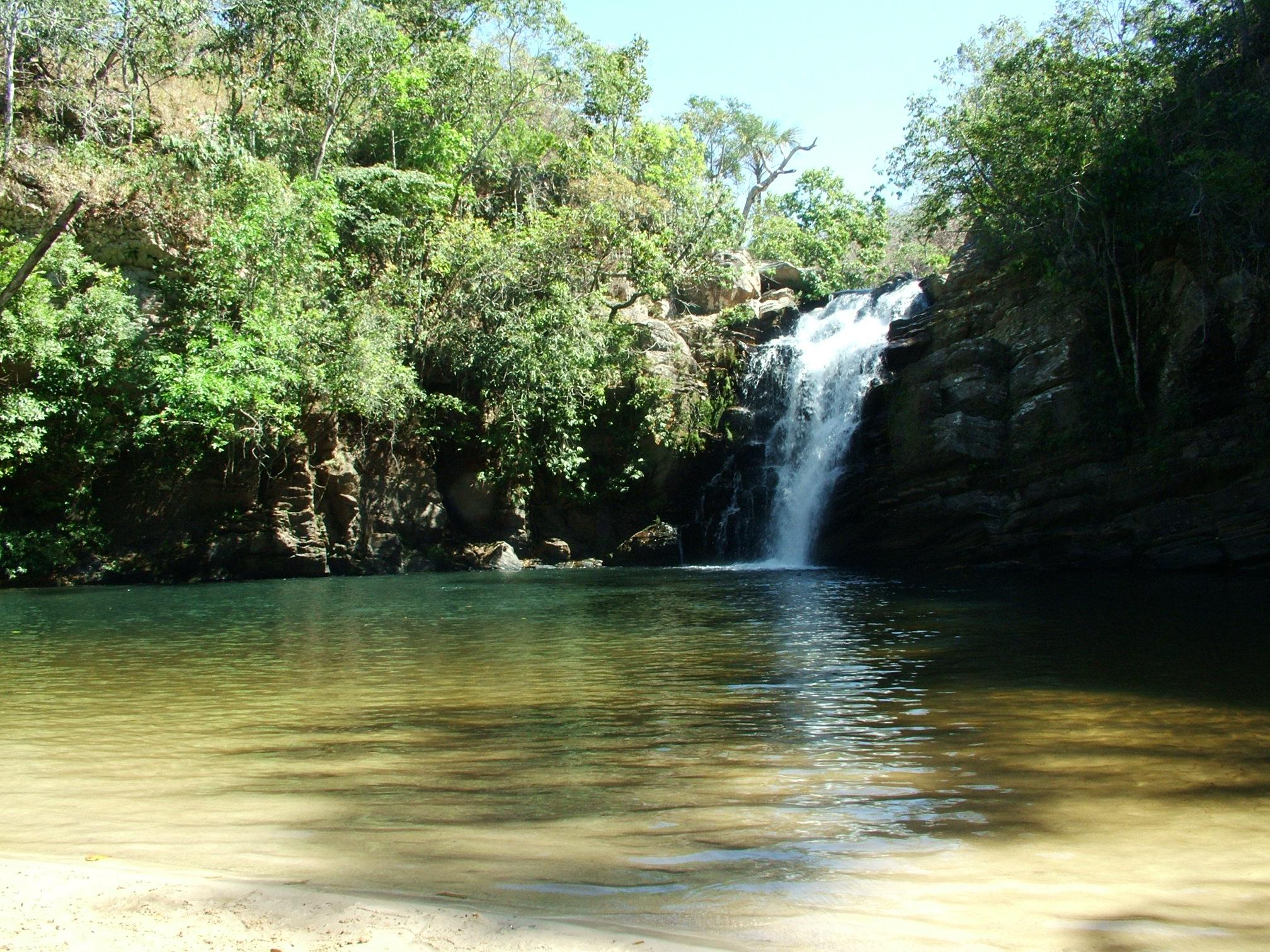 Ficheiro:Cachoeira Santa Maria AGO 2008.jpg – Wikipédia, a enciclopédia  livre