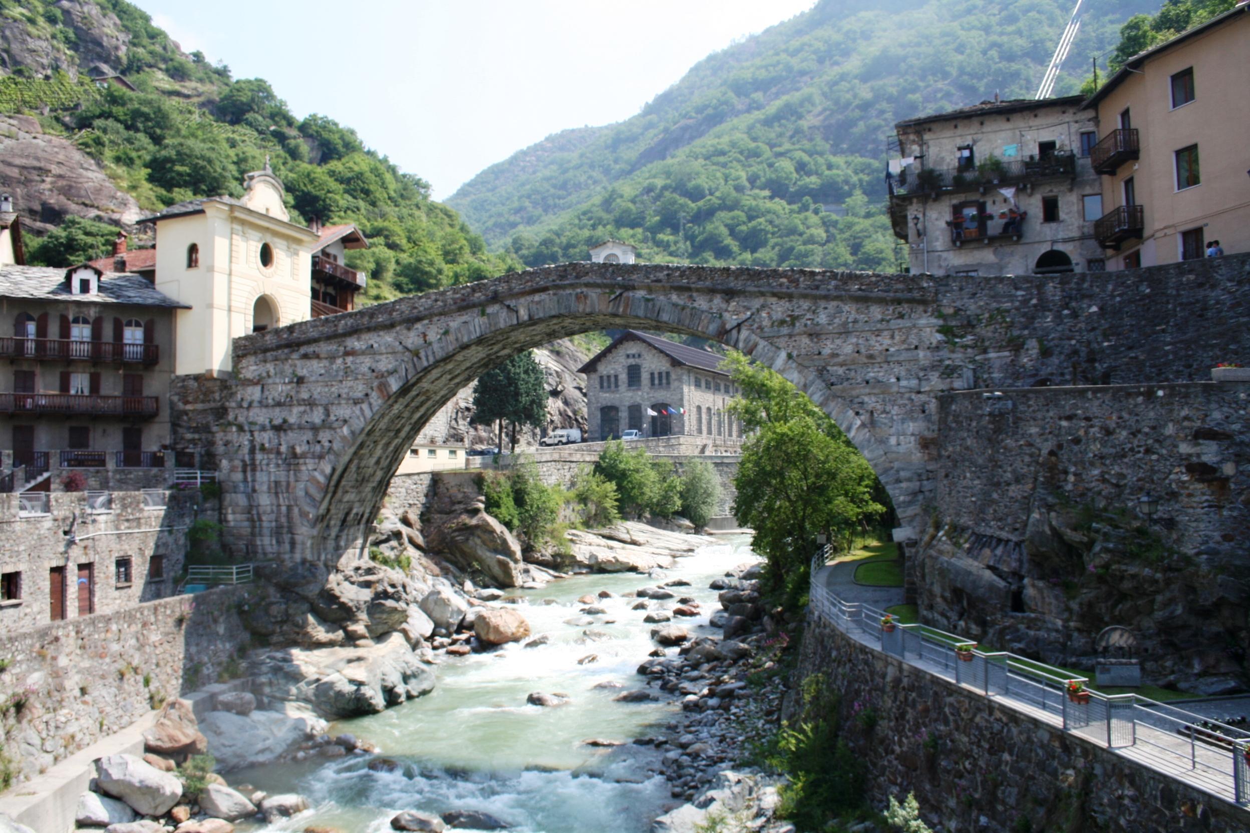 file castelli valle d 39 aosta pont saint wikimedia commons. Black Bedroom Furniture Sets. Home Design Ideas