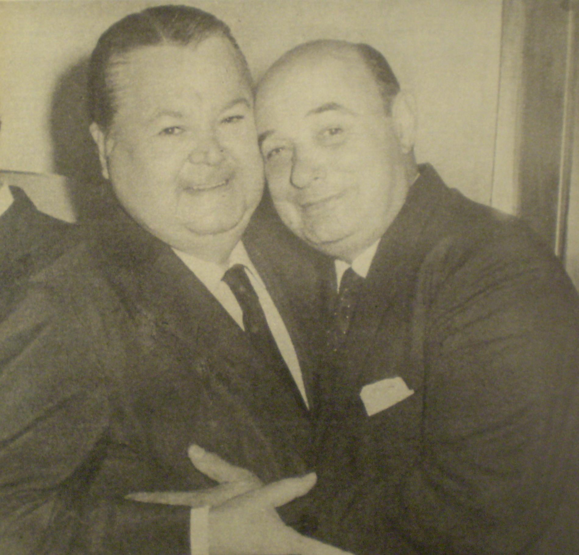 Aníbal Troilo y Cátulo Castillo (1906-1975). Fotografía póstuma en revista Gente de octubre de 1975.