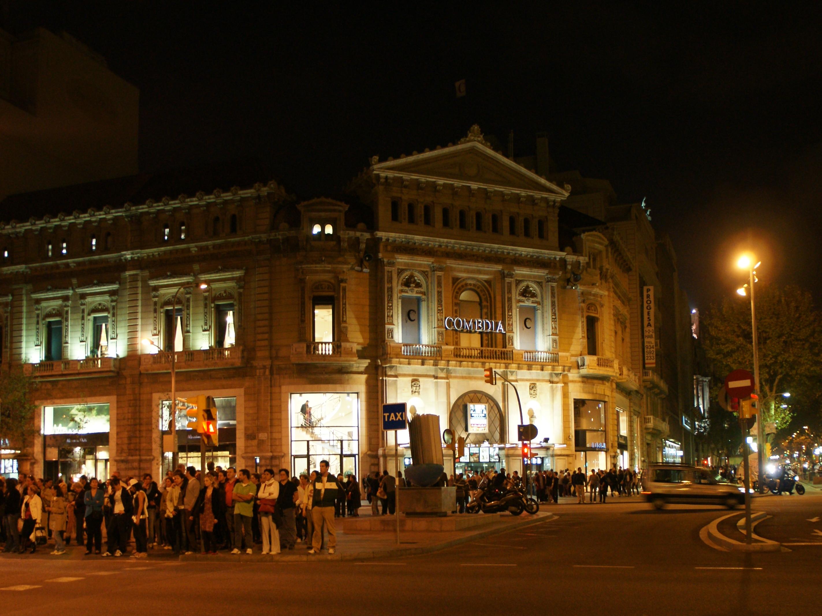 File cine comedia al passeig de gr cia jpg wikimedia commons for Yelmo cines barcelona