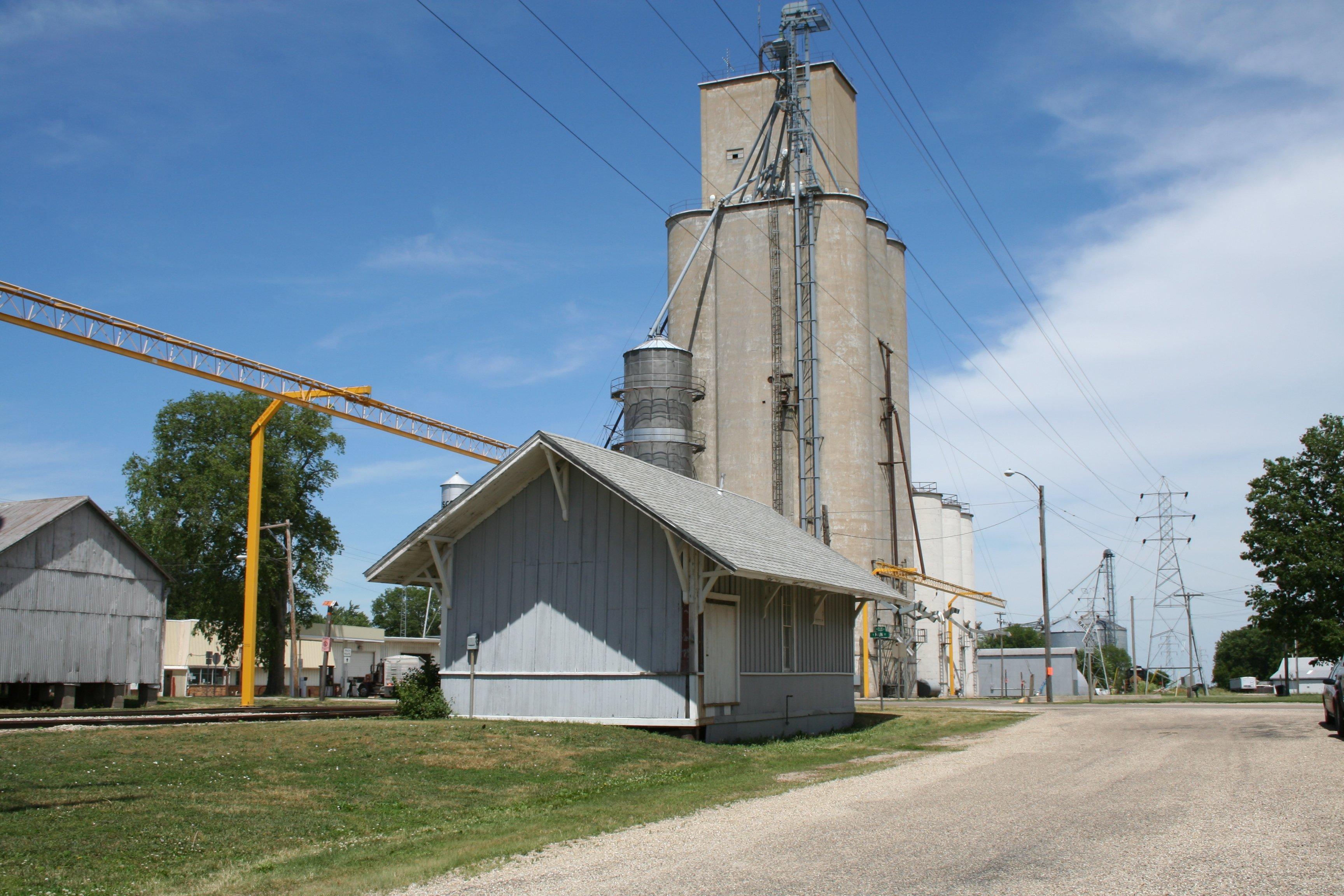 Illinois piatt county cisco - File Cisco Illinois Old Train Depot And Grain Elevator Jpg