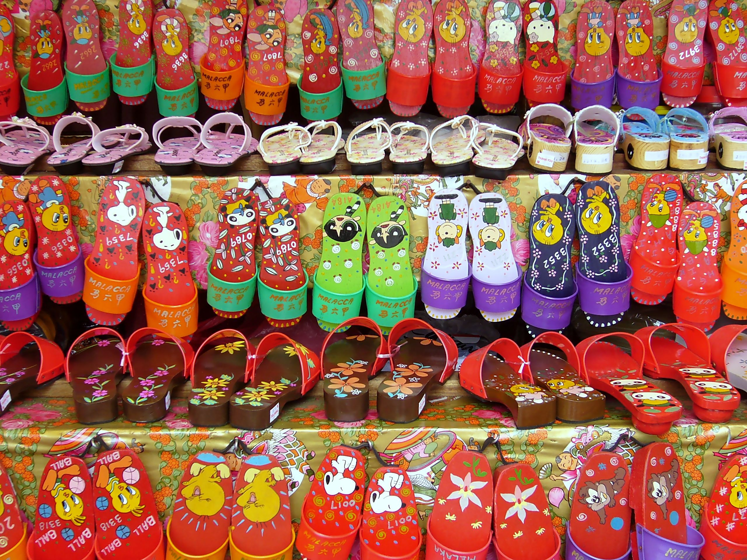 Gifts Malaysia Pictures: File:Clogs, Chinatown, Melaka, Malaysia (181817895).jpg