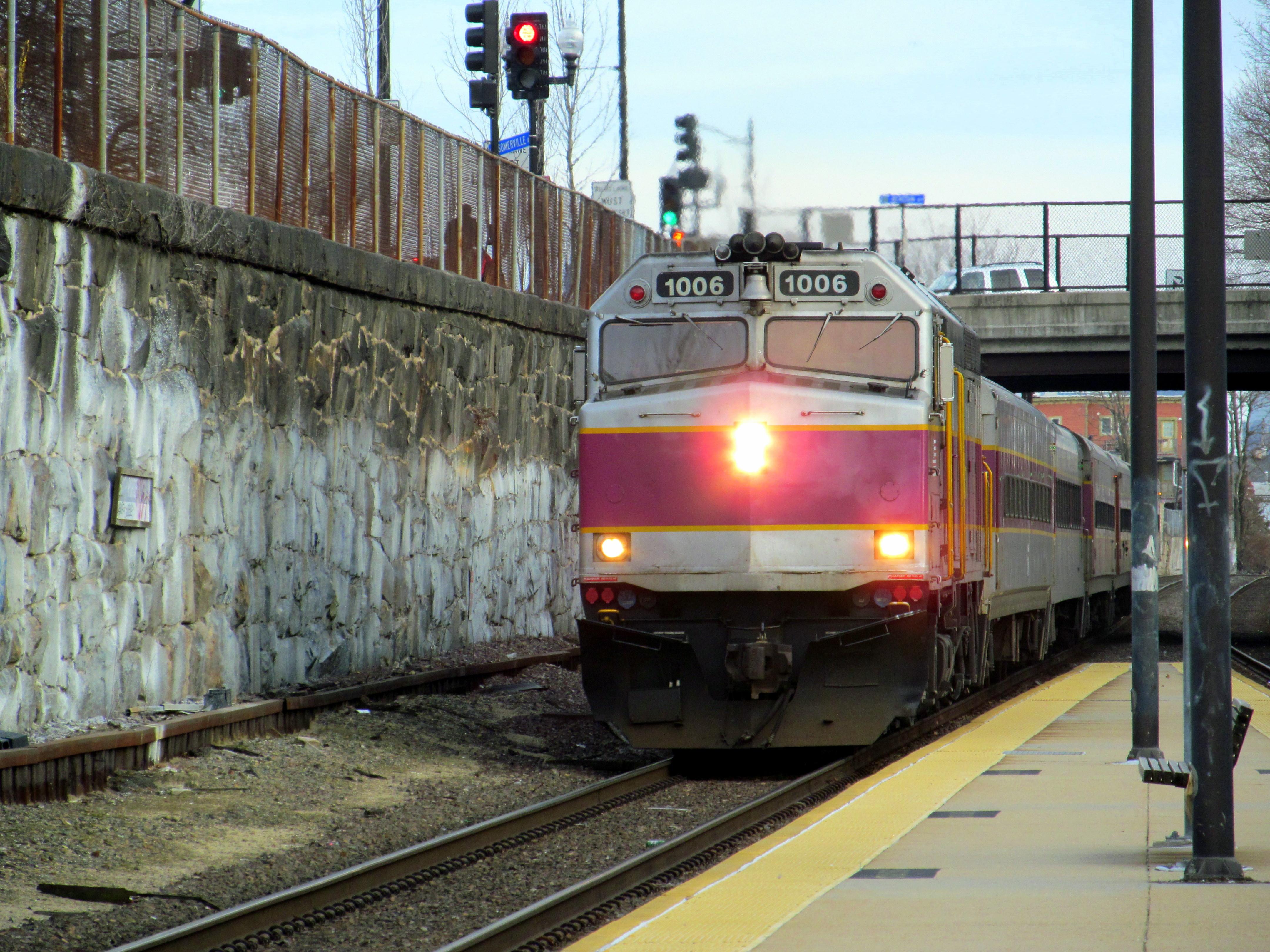 File Commuter Train At Porter 1 Jpg Wikimedia Commons